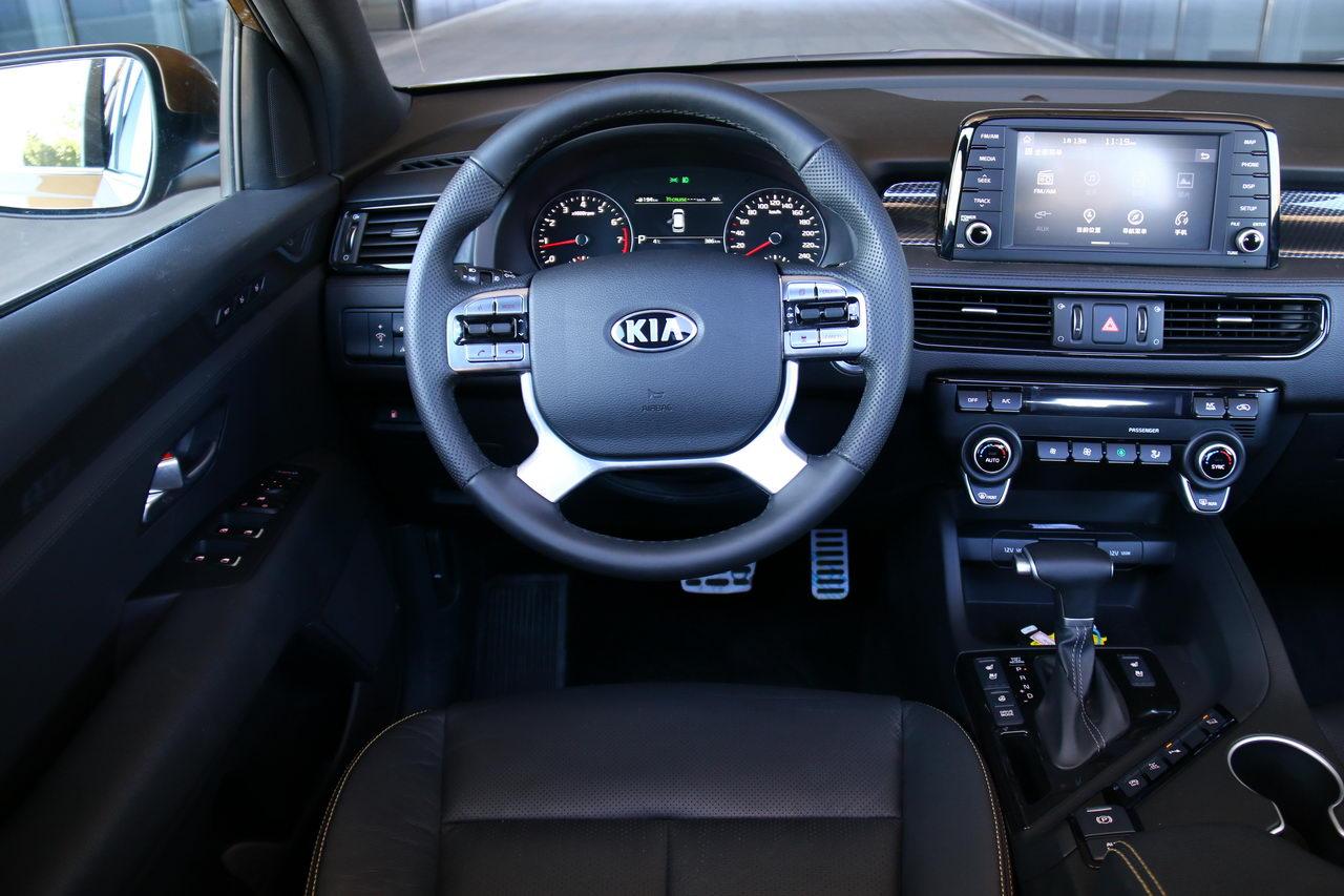2017款起亚KX7 2.0T LUX自动四驱