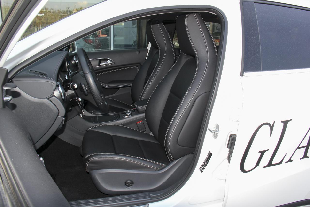 2018款奔驰GLA级 2.0T自动220 4MATIC运动型