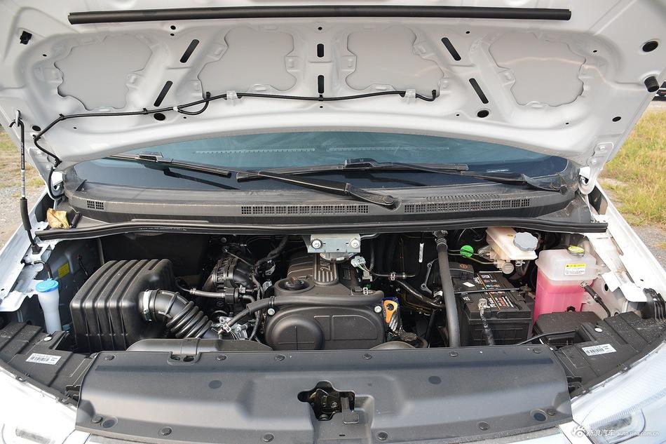 2016款瑞风M4 2.0L手动舒适型