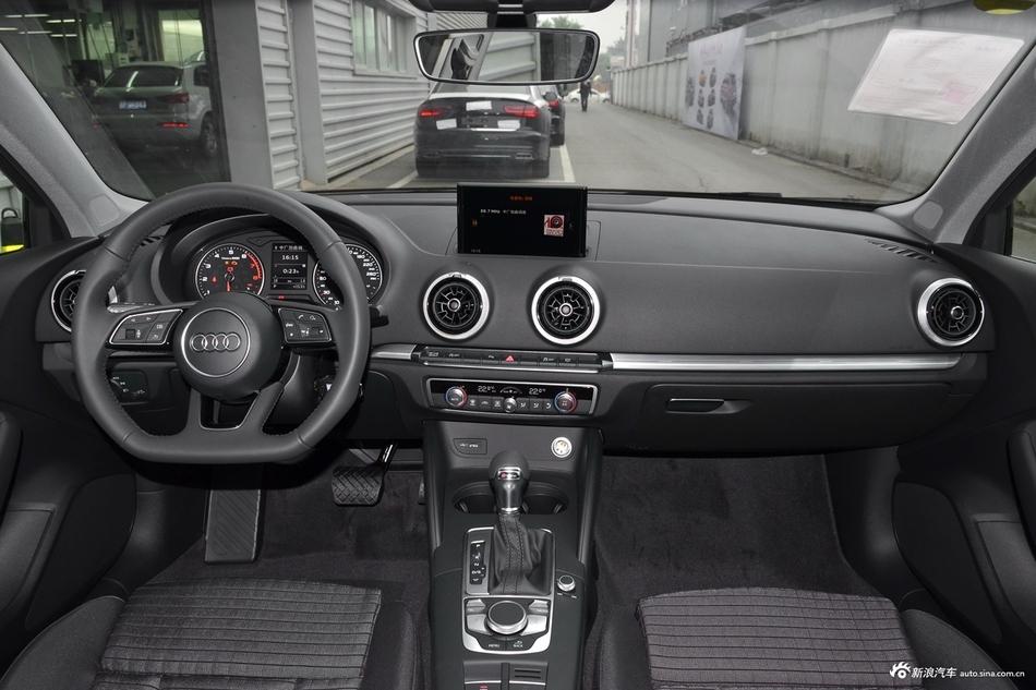 2018款奥迪A3 30周年型1.4T自动Limousine 35 TFSI运动型