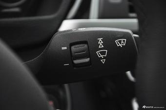 2017款宝马3系2.0T自动M运动型320Li