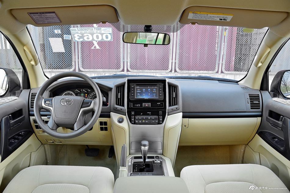2016款兰德酷路泽4.0L自动V6中东低配版
