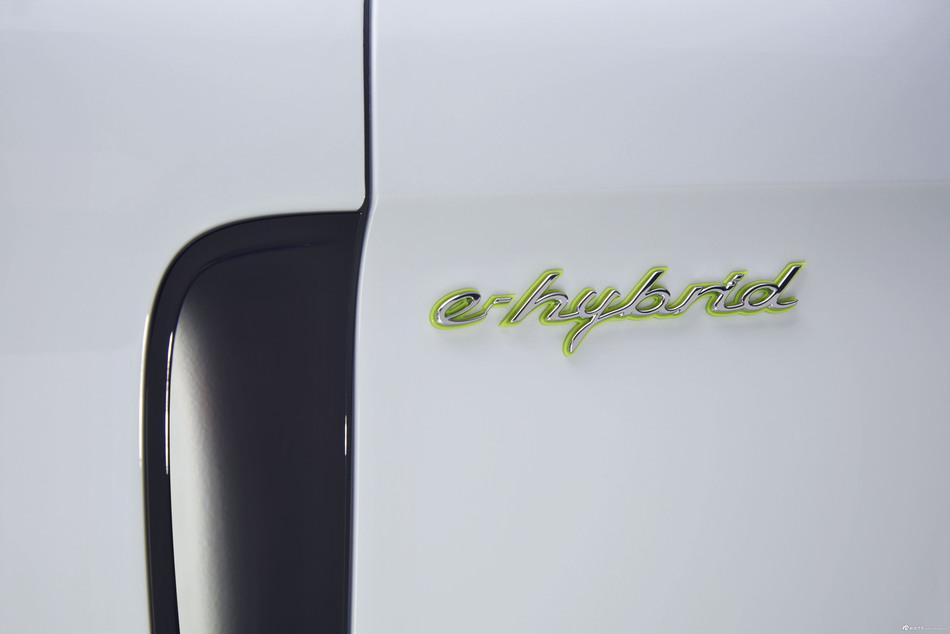 全新Panamera Turbo S E-Hybrid 行政加长版