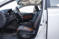 2016款比亚迪秦EV300尊荣型
