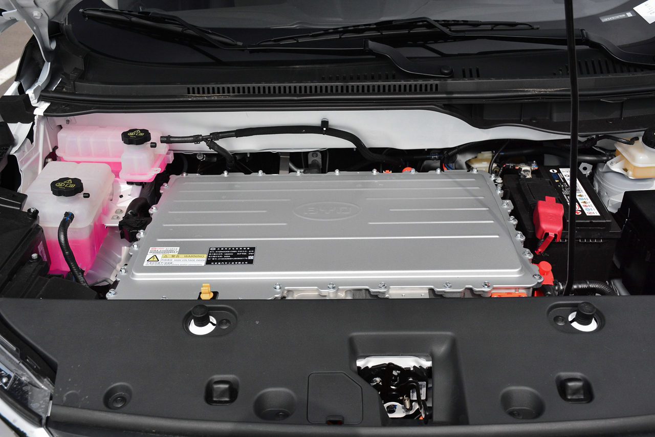 实拍 比亚迪元EV360 小家伙大容量/续航达360km