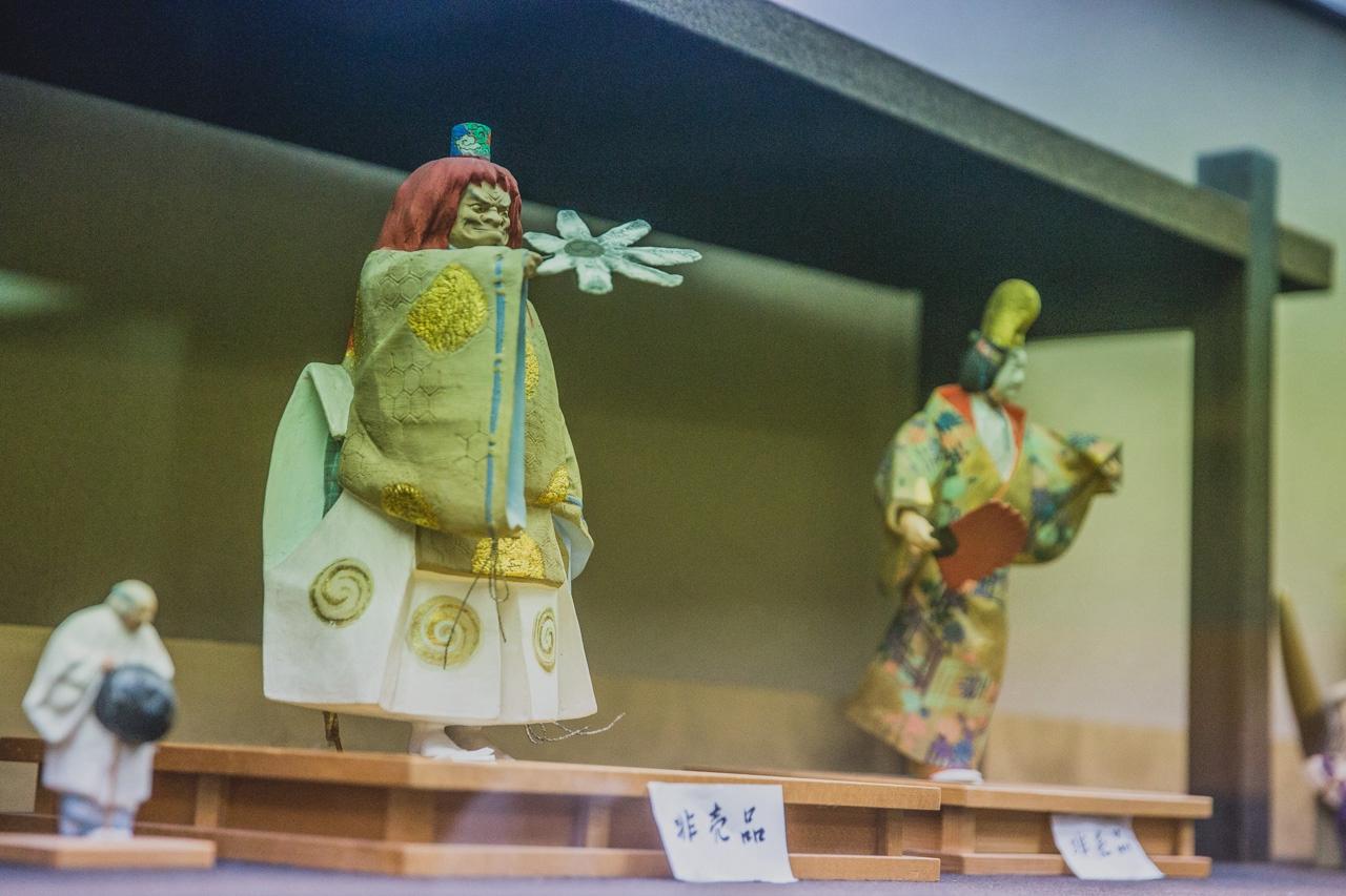 LEXUS雷克萨斯匠心之旅  博多人形 上色工艺见学