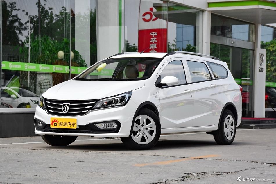 2017款宝骏310W 1.5L手动舒适型