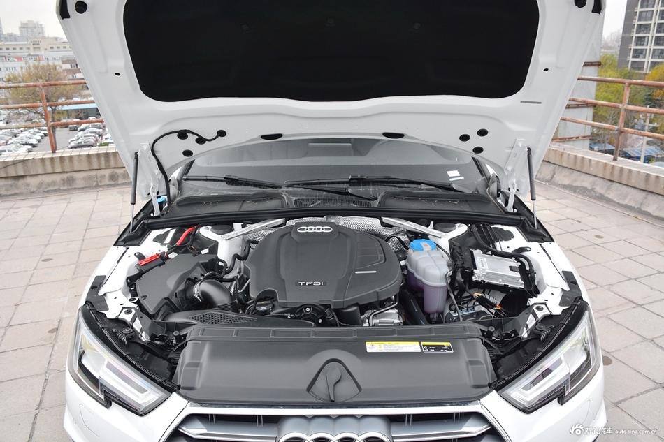 2019款奥迪A4L 2.0T自动40 TFSI运动型 国V