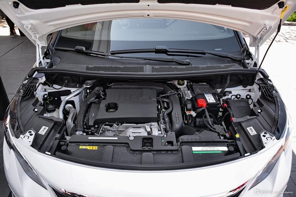2017款标致5008 1.8T自动380THP豪华GT版