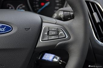 2017款福克斯三厢1.6L手动风尚型智行版