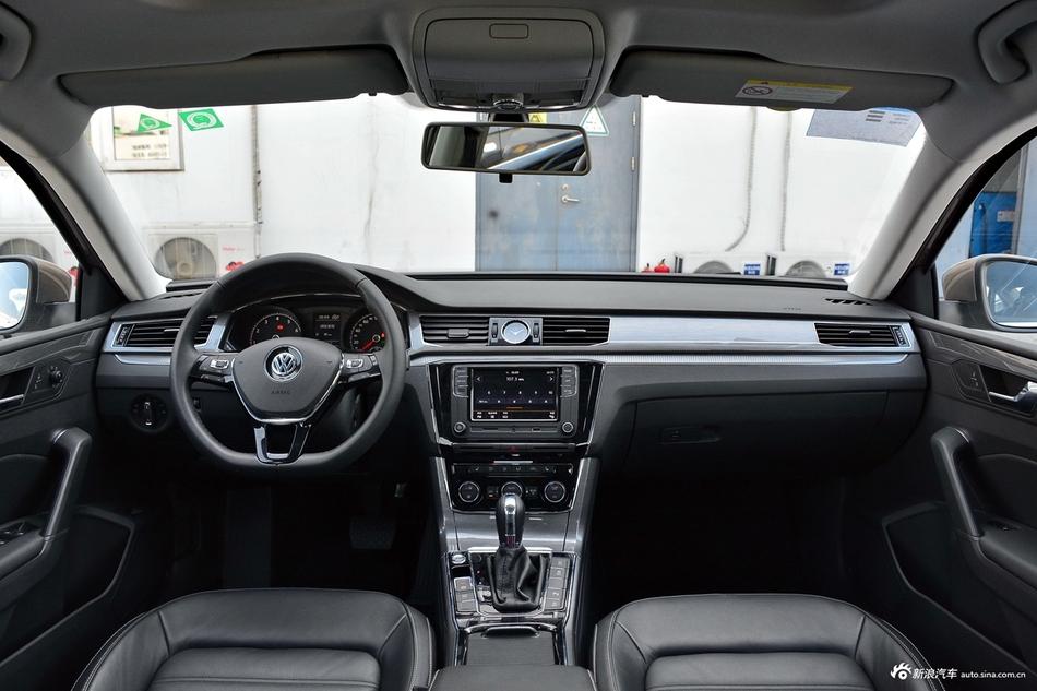 买车绝对要比价!6月新车大众帕萨特优惠高达3.78万
