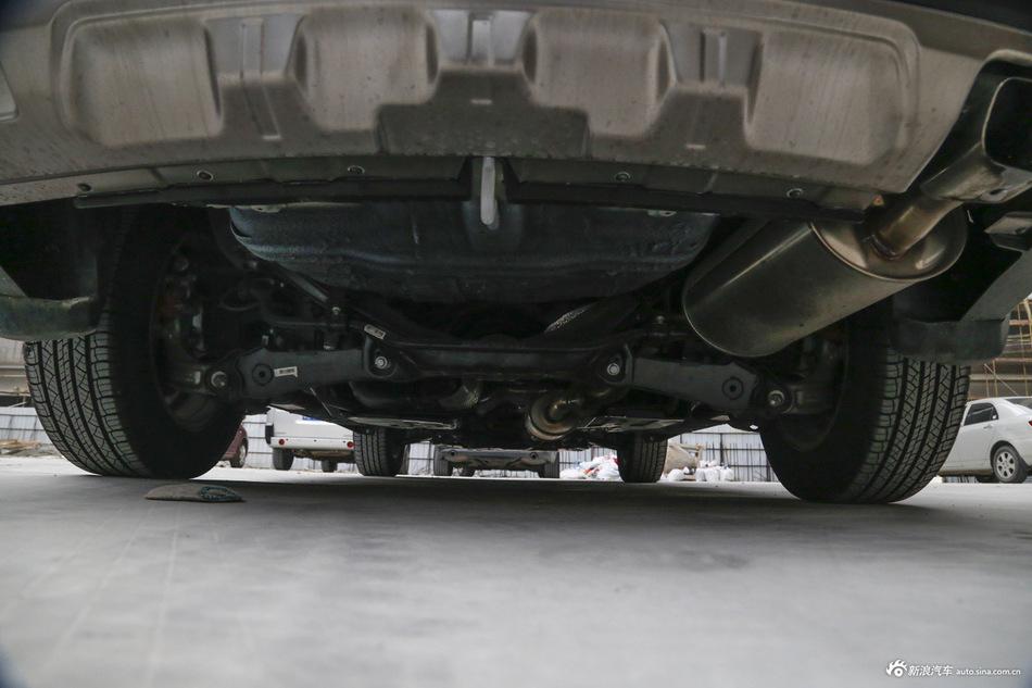 2015款哈弗H6运动版1.5T自动两驱尊享型