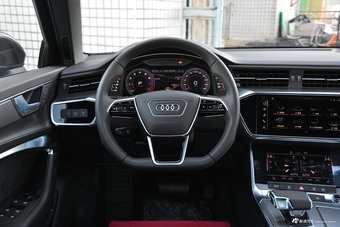 2019款奥迪A6L 45TFSI quattro 豪华致雅版