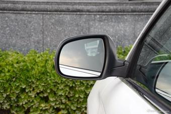2017款哈弗H2 1.5T自动两驱豪华型蓝标 象牙白