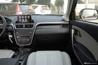 2017款奔腾X80 2.0L自动精英型