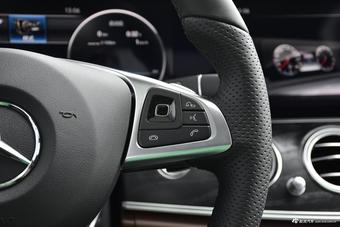 2018款奔驰E级改款2.0T自动 200L 运动型