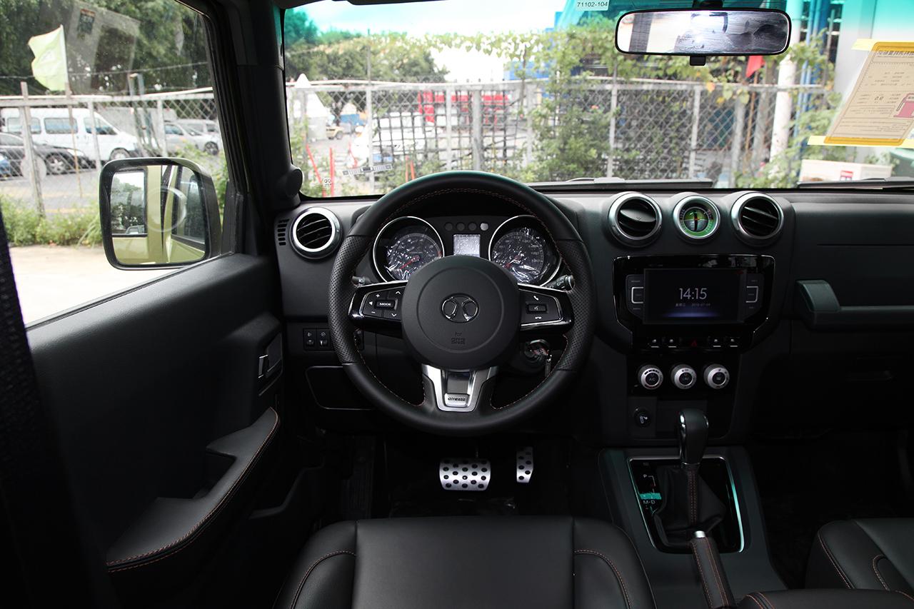2016款北京BJ40L 2.3T自动两驱尊贵版