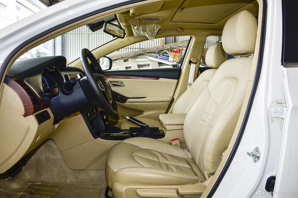 2015款海马M8 1.8T自动舒适型