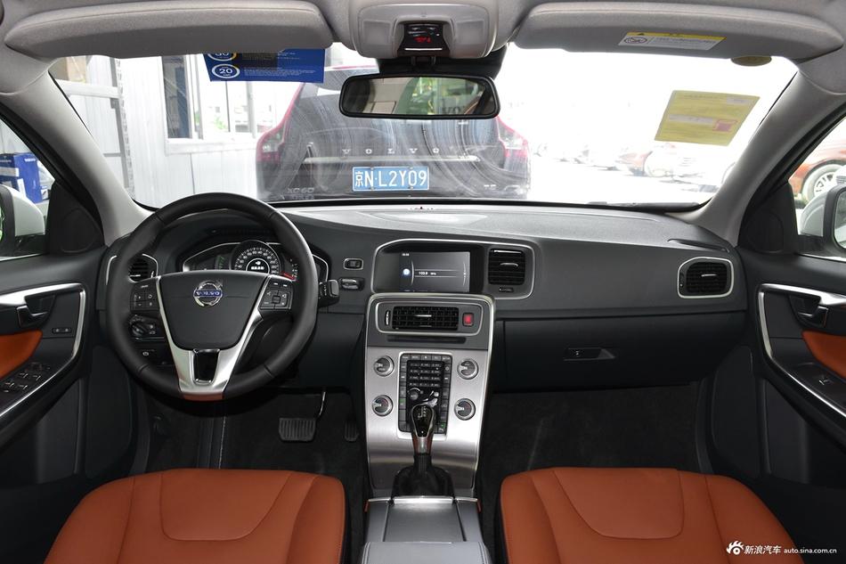 2018款沃尔沃S60L 1.5T自动T3智进版