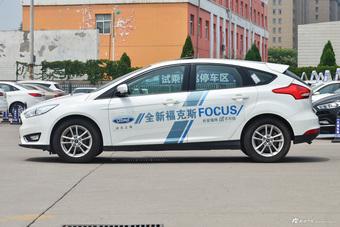 2017款福克斯两厢1.0T手动超能风尚型智行版EcoBoost 125