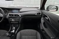 2018款英菲尼迪QX30 1.6T自动两驱极限版