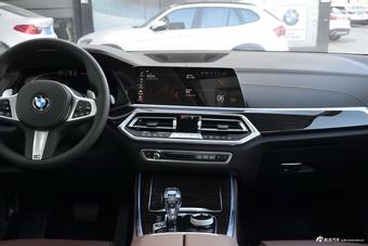 2019款宝马X5 3.0T自动 xDrive40i 尊享型 M运动套装