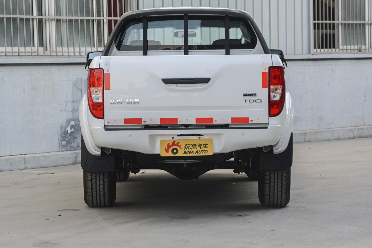 2017款域虎2.4T手动柴油四驱豪华版JX4D24A5