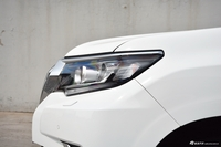2018款普拉多3.5L自动VX后挂备胎