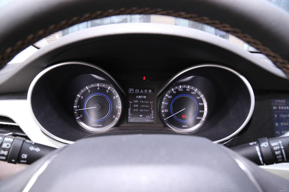 代步操控样样行,长安汽车逸动最高直降0.99万