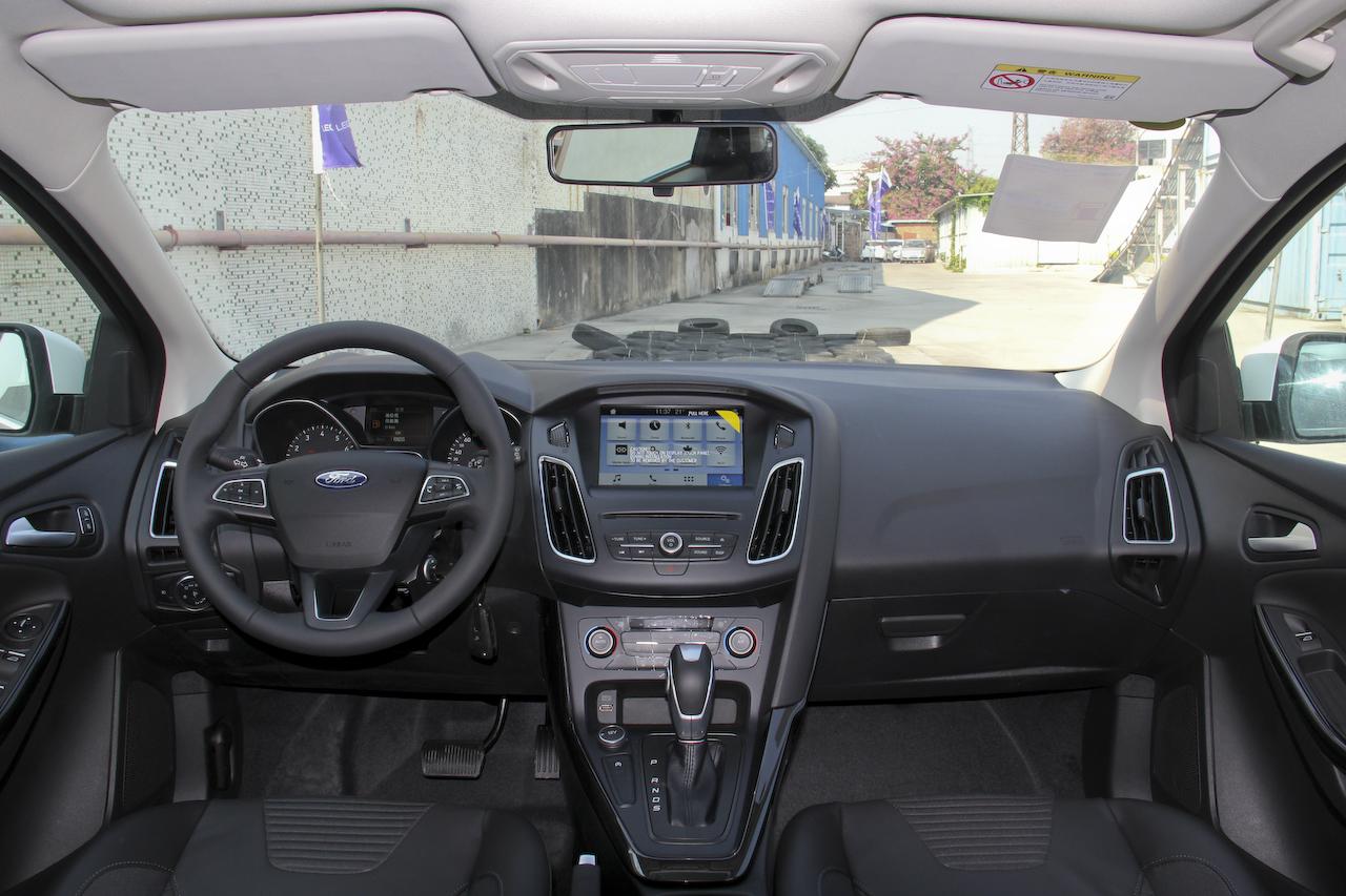 2018款福克斯两厢1.5T自动精英型EcoBoost 180
