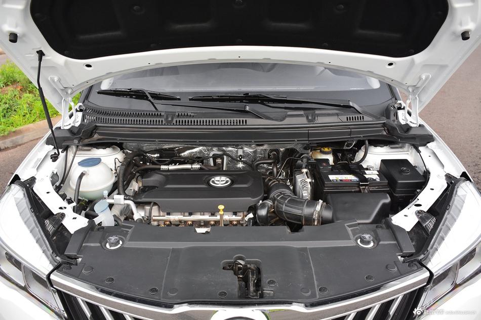 2017款中华V3 1.5T自动旗舰型