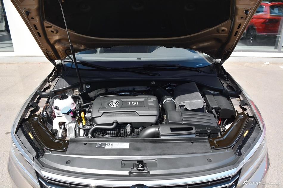 2017款上汽大众帕萨特330TSI DSG尊荣型