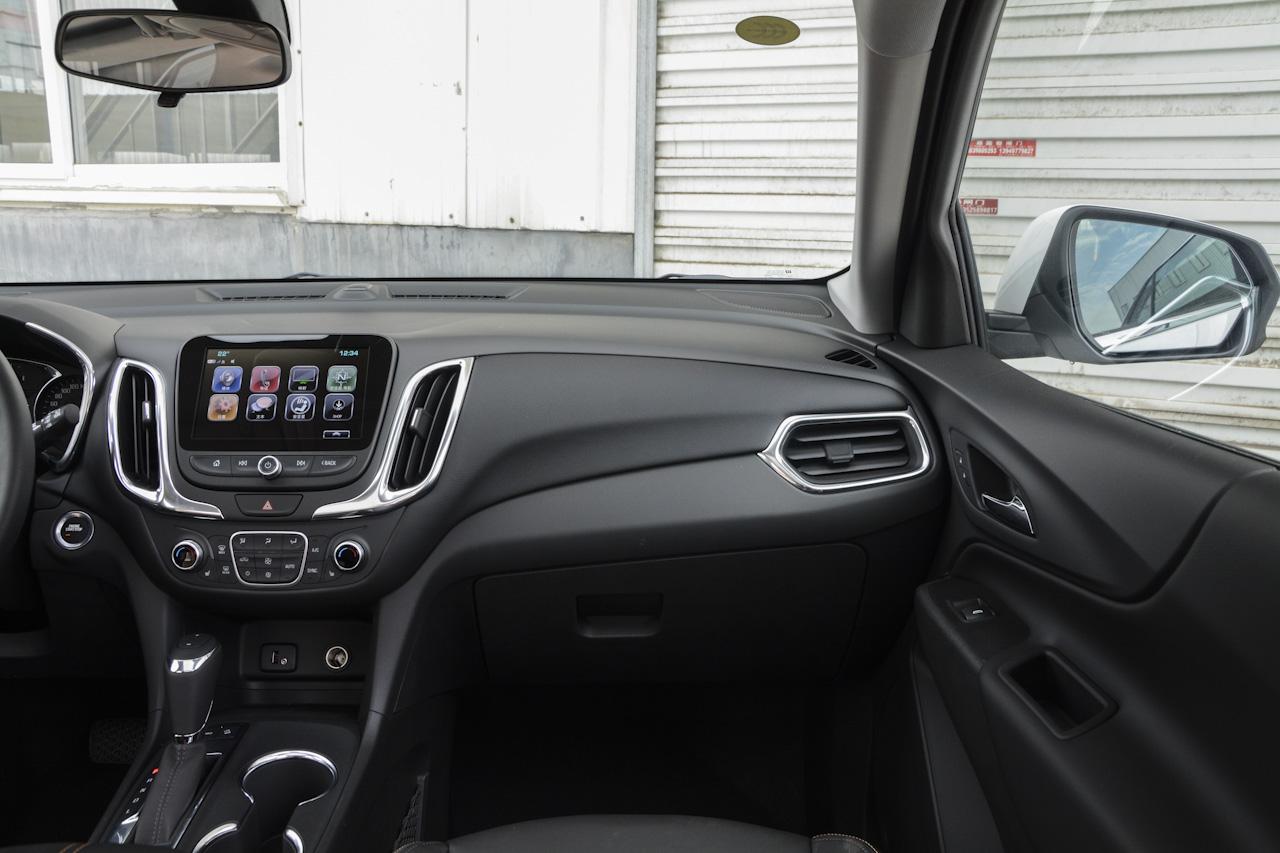 2017款探界者2.0T自动四驱拓界版550T