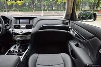 2017款英菲尼迪Q70L 2.5L自动精英版