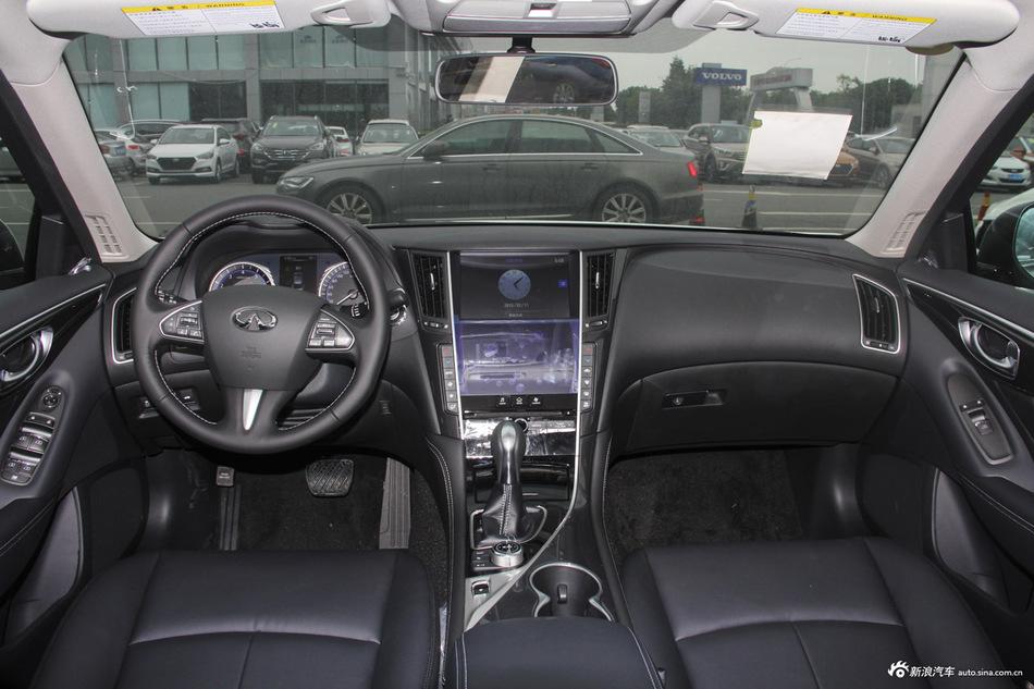 2016款英菲尼迪Q50L 2.0T自动舒适版