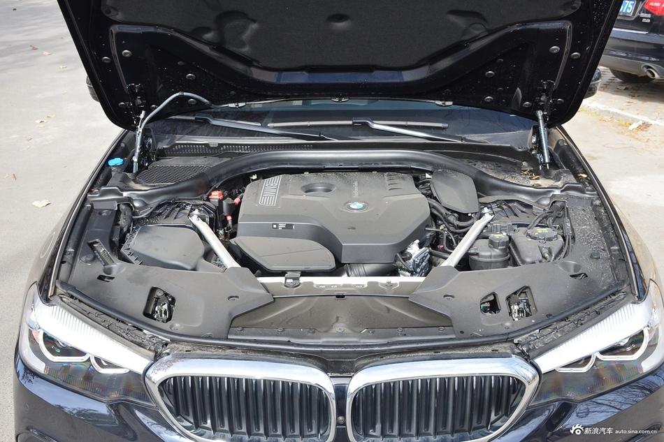 2019款宝马5系2.0T自动525Li领先型M运动套装
