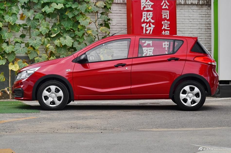8月热销中 宝骏310新车优惠3.41万起