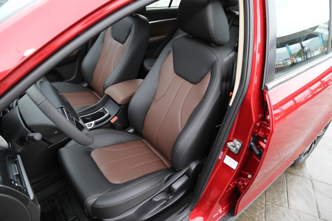 2017款吉利帝豪1.3T自动RS两厢百万款向上版