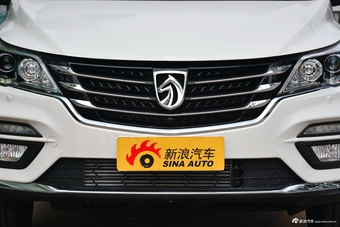 2017款宝骏560 1.5T DCT旗舰型