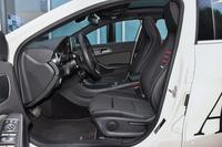 2017款奔驰A级 A200 1.6T自动动感型