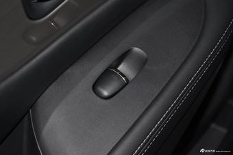 2019款楼兰2.5L自动S/C XE HEV四驱混动智联尊尚版