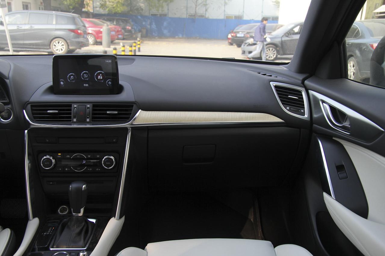2016款马自达CX-4 2.0L自动两驱蓝天领先版