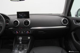 2017款奥迪A3 1.4T自动Sportback 35 TFSI风尚型