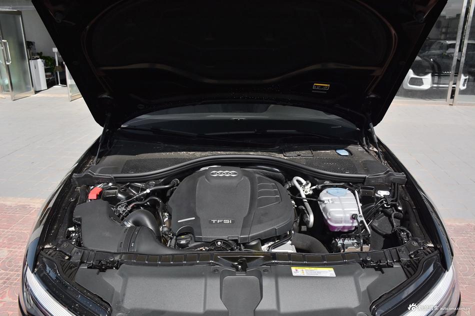2018款奥迪A6L 2.0T自动30周年年型 35 TFSI 运动型