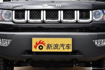2016款北京BJ40 2.0T手动两驱尊贵版