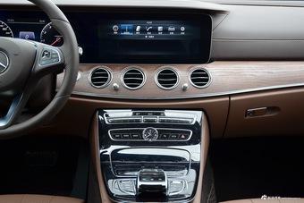 2016款奔驰E级2.0T自动E200L