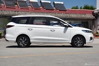 2018款宝骏360 1.5L自动豪华型