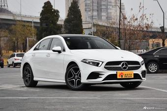 2019款奔驰A级 1.3T自动200 L运动轿车先行特别版