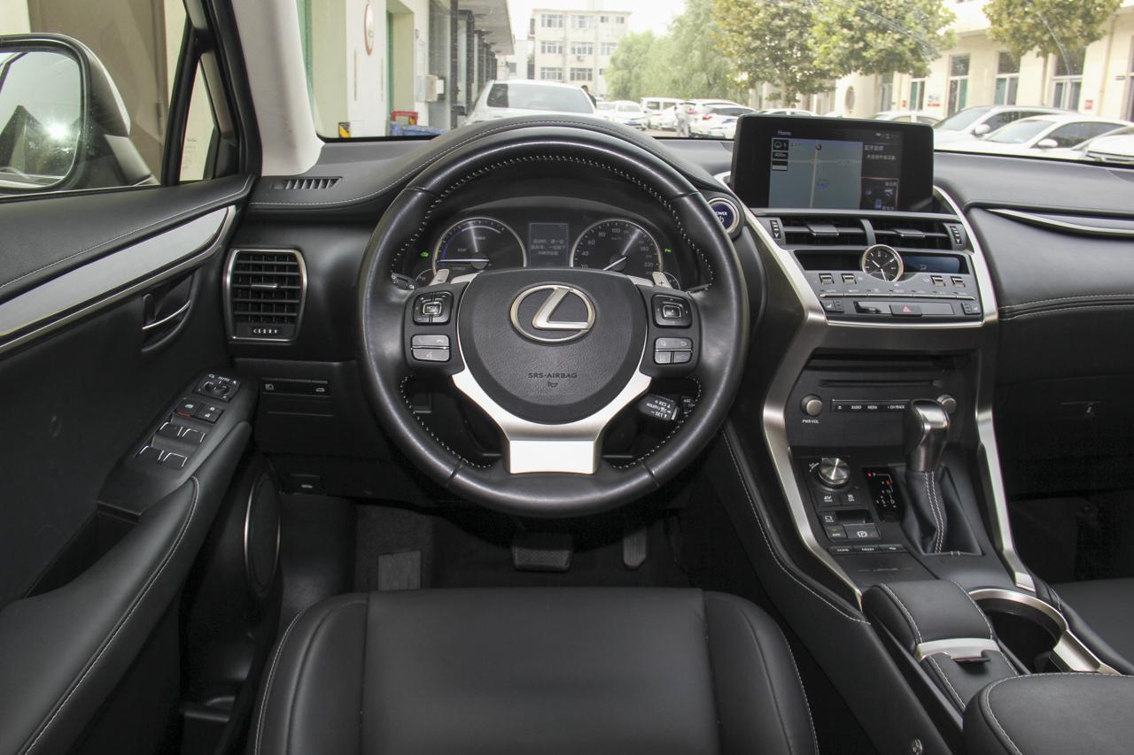 2018款雷克萨斯NX300h 2.5L自动全驱锋致版