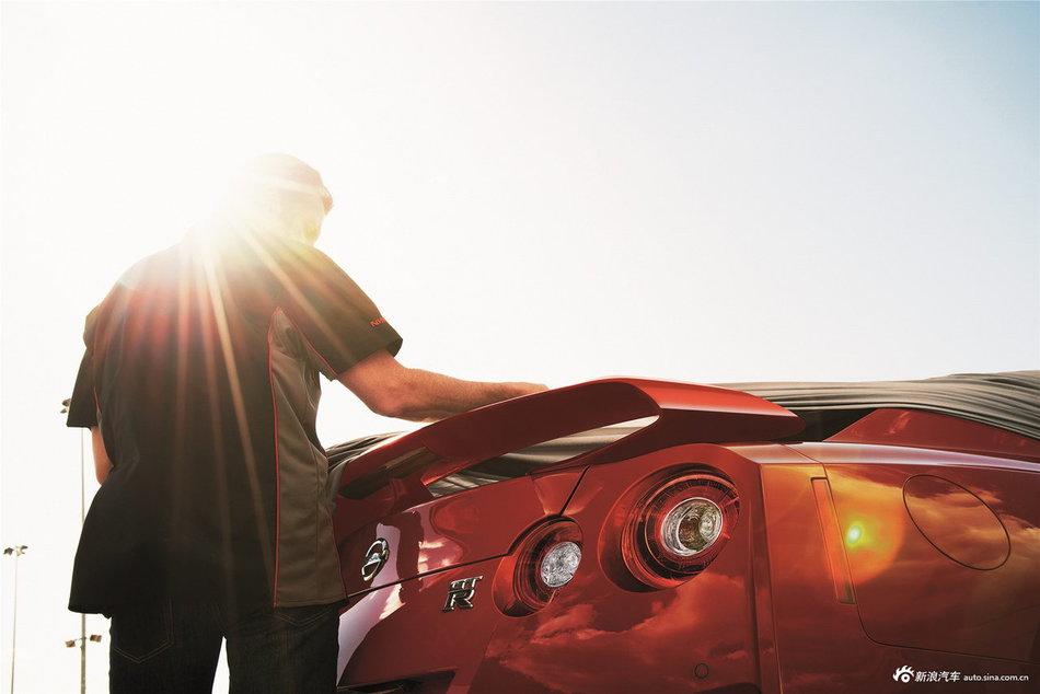 2017款日产GT-R官方图
